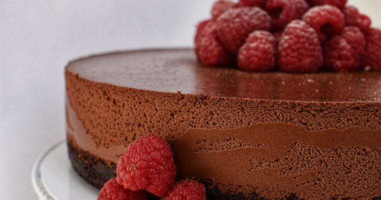 Čokoladno malinina torta brez glutena
